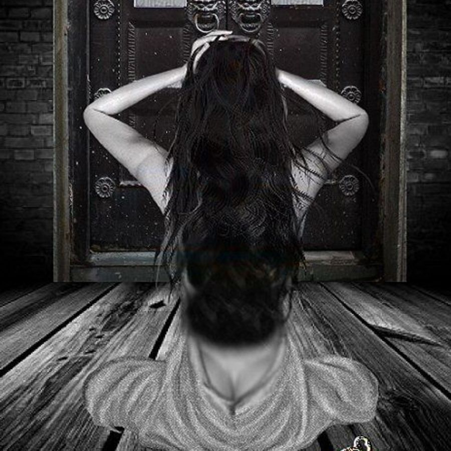 Cover Photo: http://3bdigitalart.blogspot.com/2011/10/locked-up.html