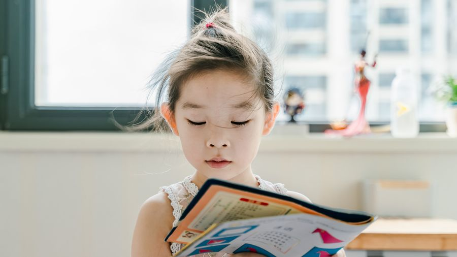 Cover Photo: 6 Books That Your Kid Should Read Before 13 Years by Jenn Lee