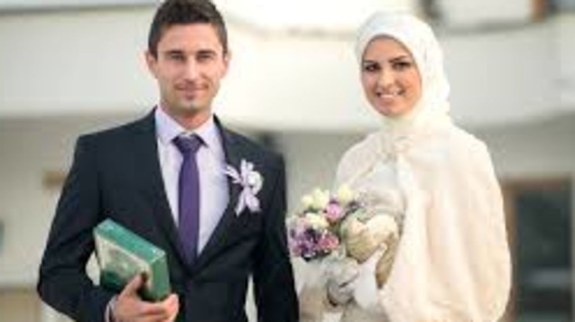 Cover Photo: Everything you need to know about dating a Muslim man by Lynn Joesph